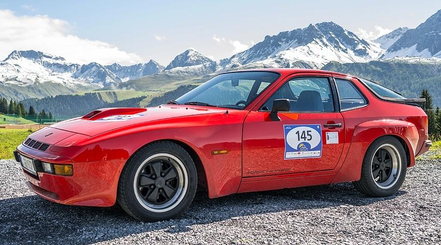 """""""Czterema kołami przez świat"""" – Porsche 924"""