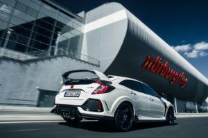 """""""Czterema kołami przez świat"""": Honda Civic Type R"""