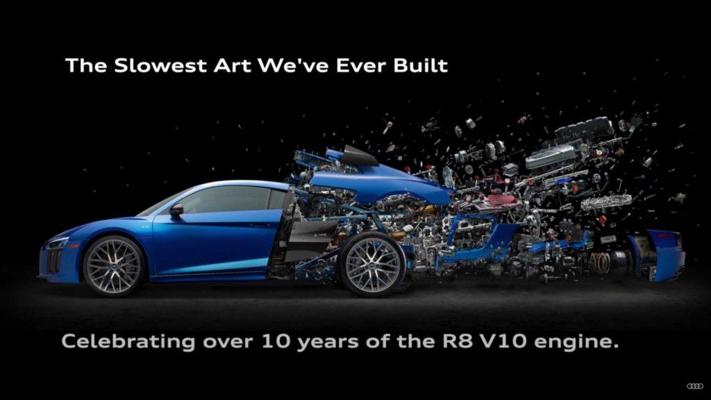 """Audi R8 po """"wybuchu"""", czyli rozebrane do najmniejszej śrubki na grafice"""