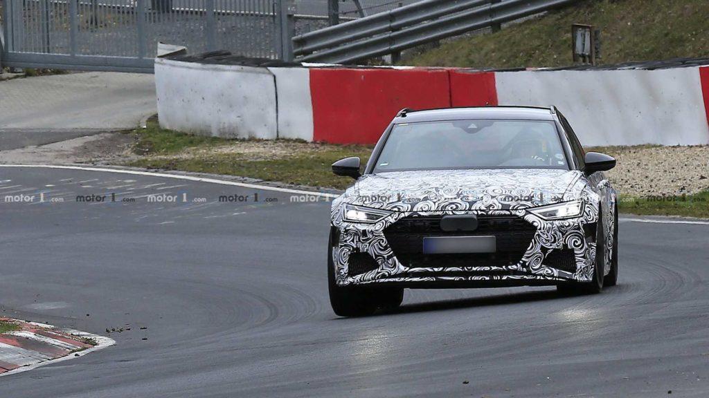 Audi RS6 podczas testów na drogach publicznych