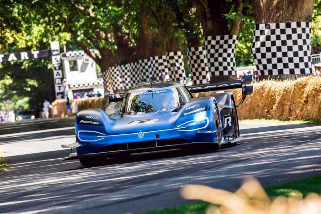 Volkswagen I.D. R poprawia swój rekord w Goodwood – 39.9 sekundy!