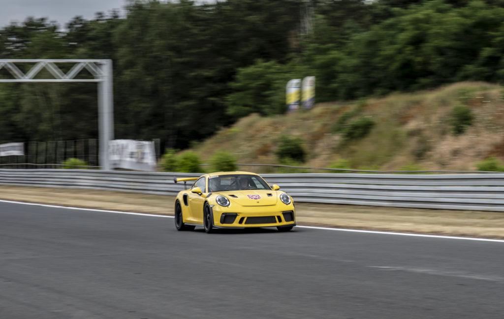 Porsche pozostaje przy wolnossących silnikach