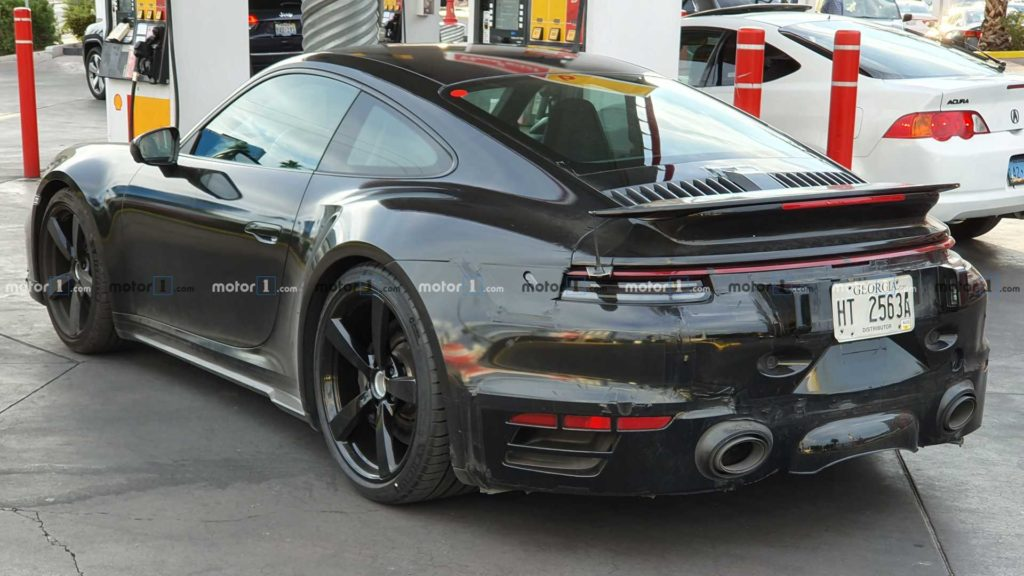 Nowe Porsche 911 Turbo przyłapane podczas testów