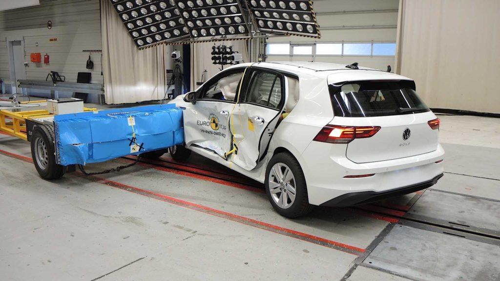 Euro NCAP: 5 gwiazdek dla nowego Golfa, ale pojawia się pewien problem