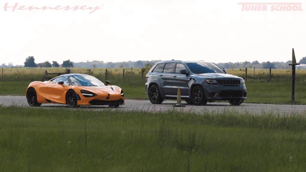 Jeep Trackhawk HPE1200 vs McLaren 720S – moc czy masa?