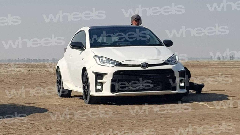 Yaris GR-4 coraz bliżej premiery, a w sieci kolejny teaser samochodu