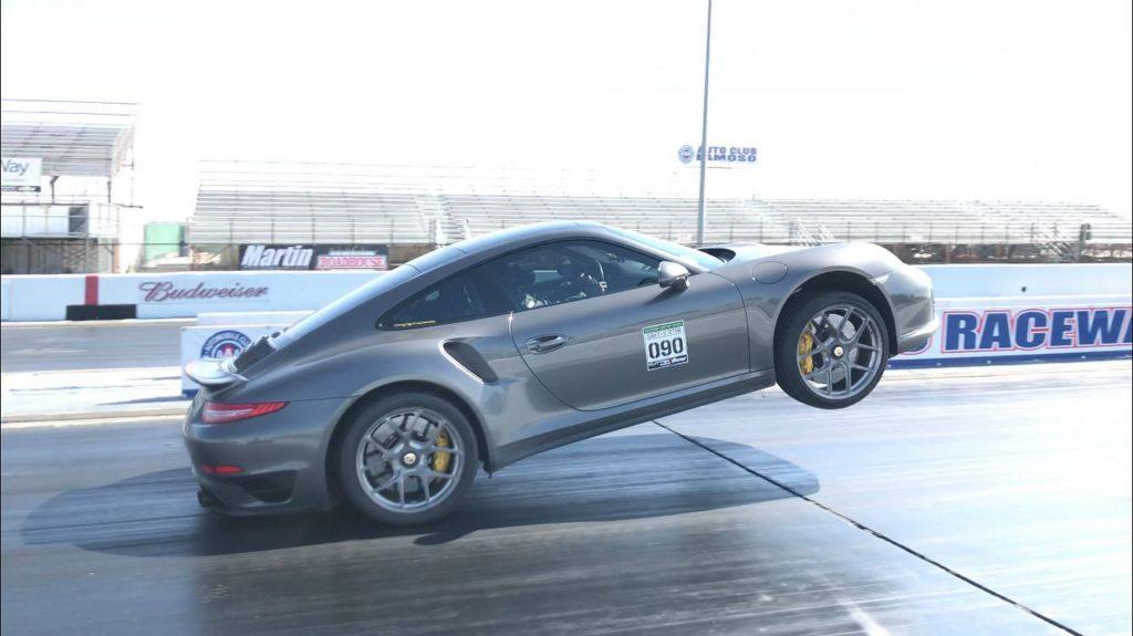 Porsche 911 Turbo S po modyfikacjach zawstydza dragstery