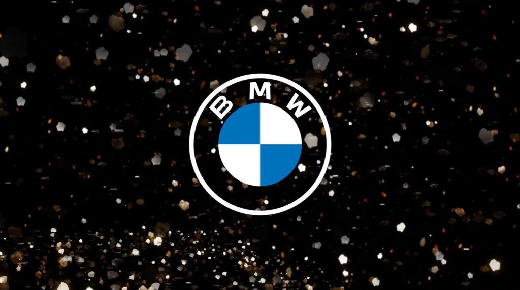 BMW pokazuje nowe logo na materiałach promocyjnych marki