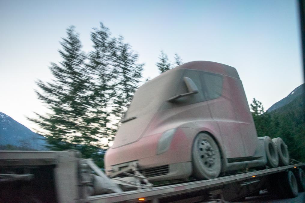 Tesla Semi Truck zakończyła zimowe testy na Alasce