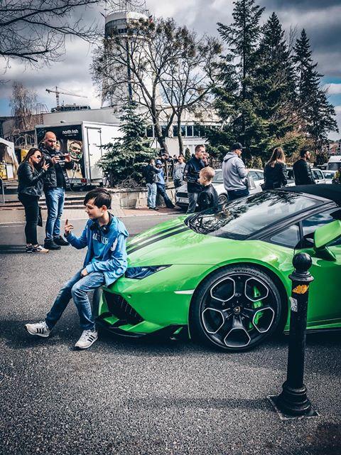 Apel do społeczeństwa: Szanujcie super samochody!