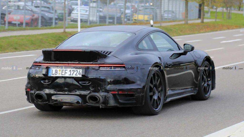 Porsche 911 Turbo S z ducktail [Nowe Zdjęcia]