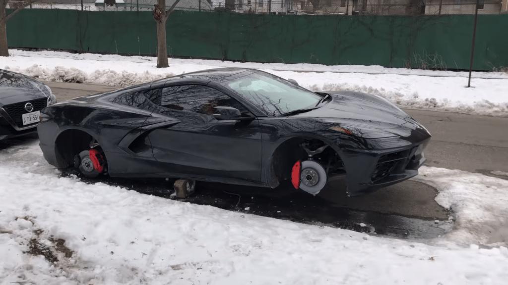 Szukasz kół do nowej Corvette C8? Ktoś już je ukradł i chętnie Ci sprzeda