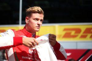 Mick Schumacher: najważniejszy sezon – wielka rywalizacja na drodze do F1