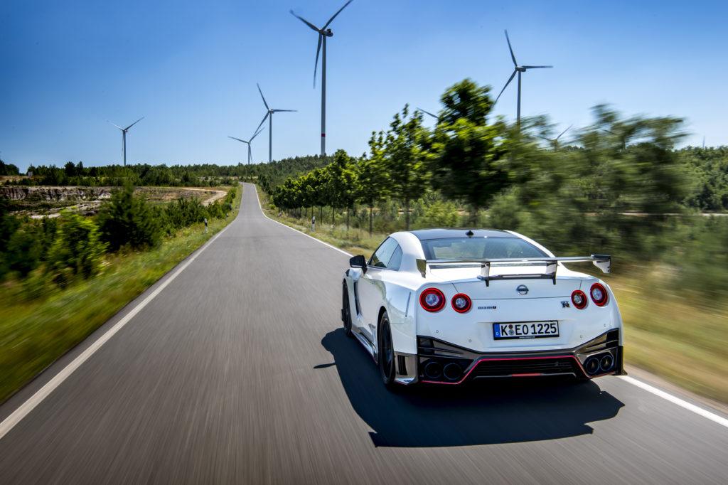 Akcje Nissana lecą na łeb na szyję i firma jest mniej warta od Subaru