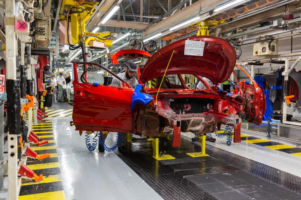 Brexit może spowodować wzrost produkcji w brytyjskiej fabryce Nissana