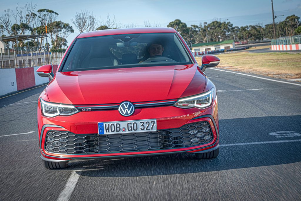 Volkswagen przygotował sesję nowego Golfa GTI 2020 na torze