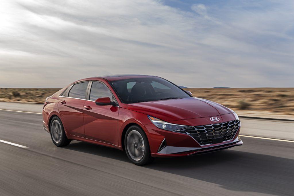 Hyundai Elantra 2021 – premiera jako czterodrzwiowe Coupe w hybrydzie