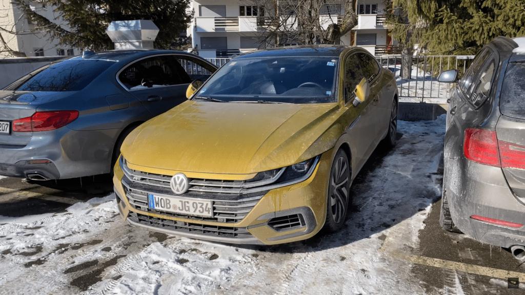 Nowy Volkswagen Arteon R odbywa testy w szwajcarskich górach