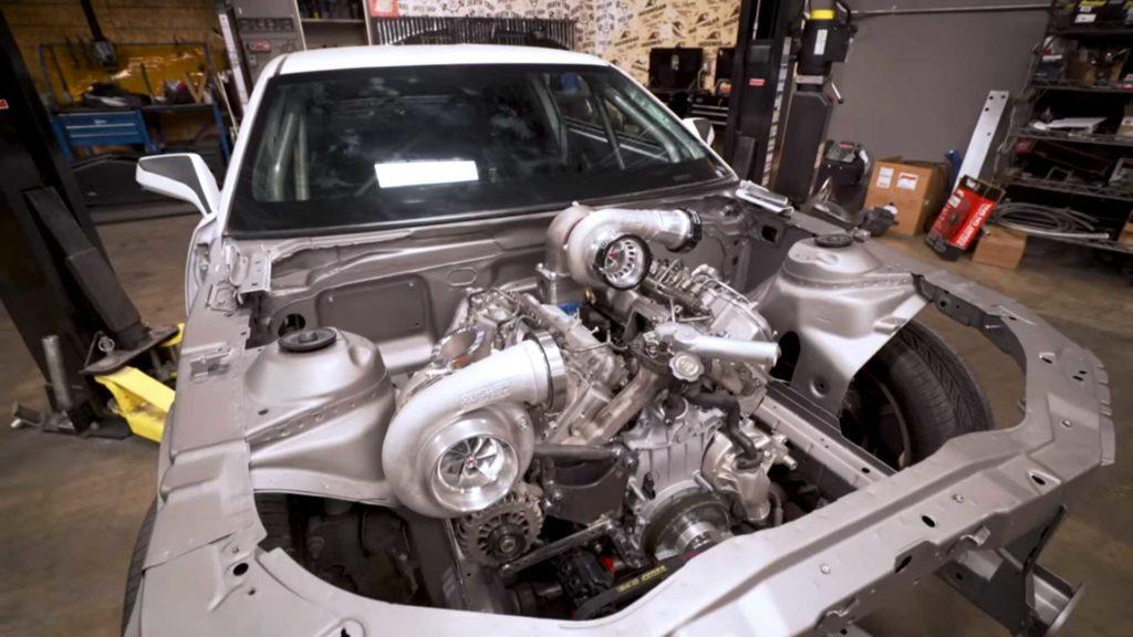 Hoonigan wsadza 1000-konnego Diesla twin-turbo do Camaro