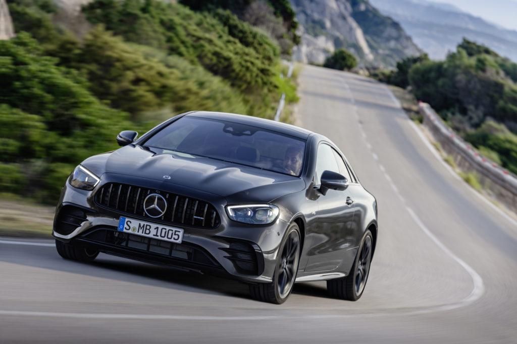 Mercedes wprowadza odświeżone Coupe oraz Cabrio w wersji E53 AMG