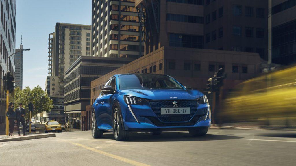 Peugeot e-208 pojawi się w tańszym wariancie z mniejszą baterią?