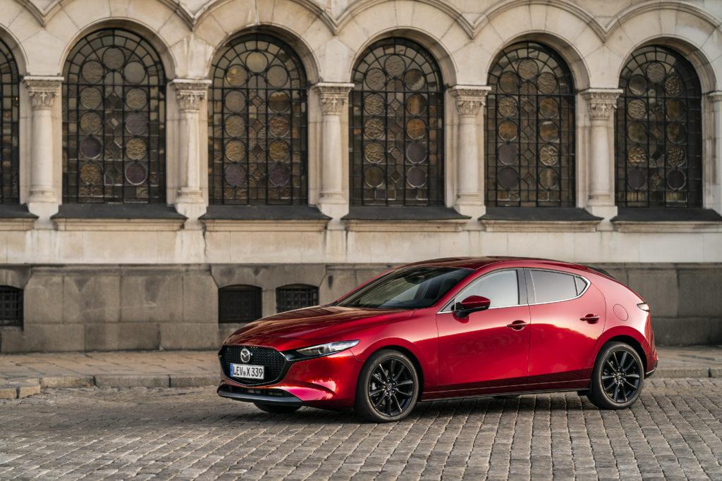 Mocna Mazda 3 z turbodoładowaniem zostanie zaprezentowana 8 lipca