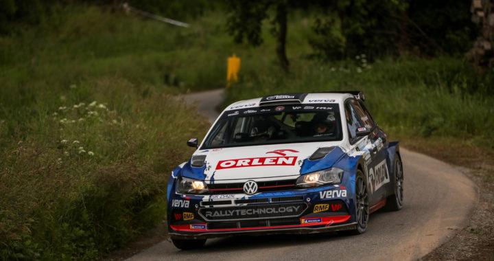 Załoga Kacper Wróblewski i Jakub Wróbel pokazała dobre tempo na trasach         4. Ireco Motorsport Rally