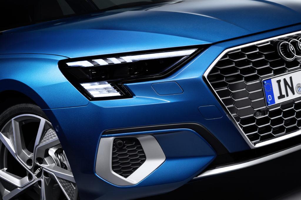 Motyw flagi w reflektorach do nowego Audi RS3 – wygląda niesamowicie