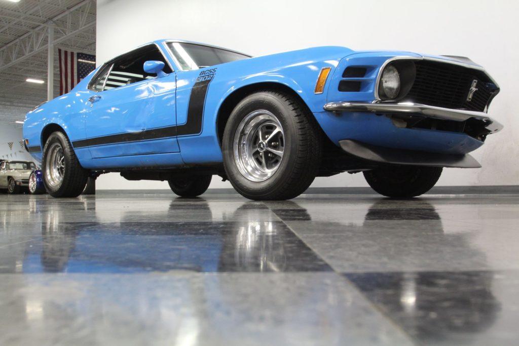Ford Mustang Boss 302 z 1970 roku, ukryty przez prawie 40 lat w garażu