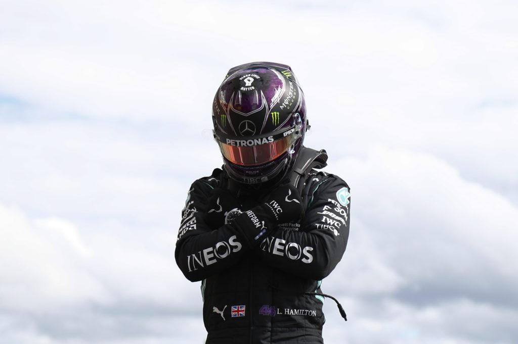 Bezkonkurencyjny Hamilton i świetny wynik Ricciardo – relacja z kwalifikacji