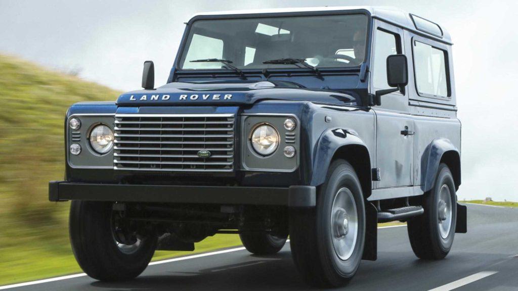 Land Rover nie zastrzegł znaku towarowego Defender i ma teraz problem