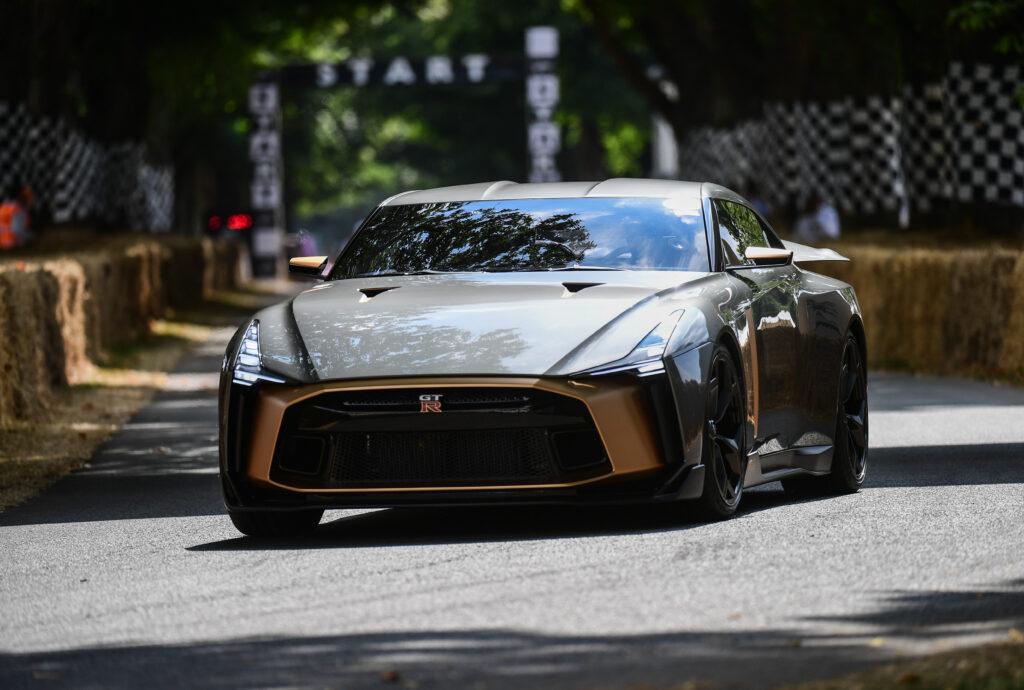 Nissan niepewny ścieżki rozwoju kolejnej generacji modelu GT-R