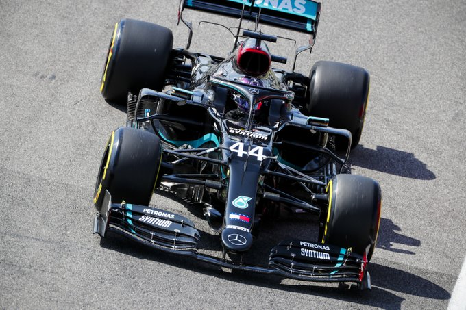 Hamilton zgarnia Pole Position przed Grand Prix Toskanii