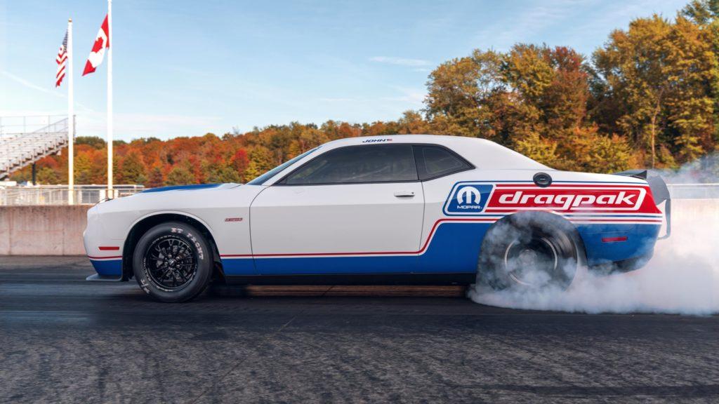 Mopar z limitowaną wersją Drag Pak dla Challengera