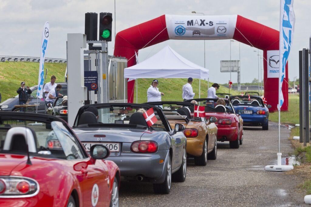 Mazda wprowadza program rewitalizacji MX-5 MK1 do Europy