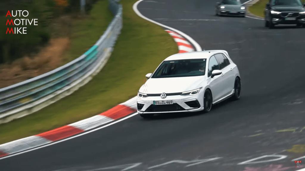 Volkswagen Golf R 2021 przechodzi ostatnie testy na torze przed premierą