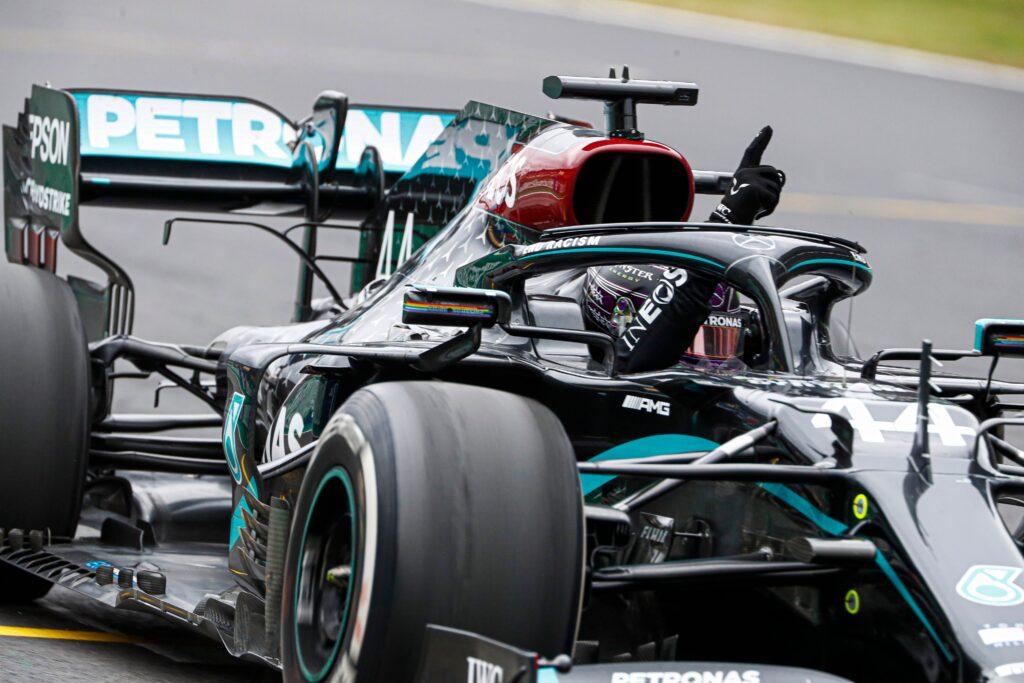 Lewis Hamilton dominuje i zdobywa swoje 92. zwycięstwo w Formule 1!
