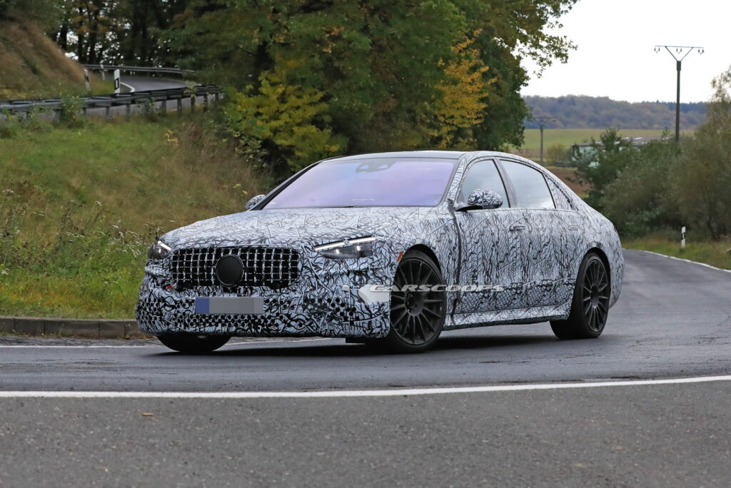 Mercedes AMG S63 2021 – 700-konna luksusowa hybryda w kamuflażu