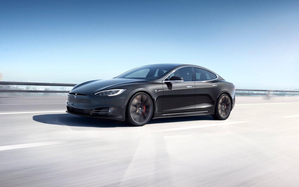 """Tesla może zbudować 500 000 samochodów w tym roku – jest jedno """"ale"""""""