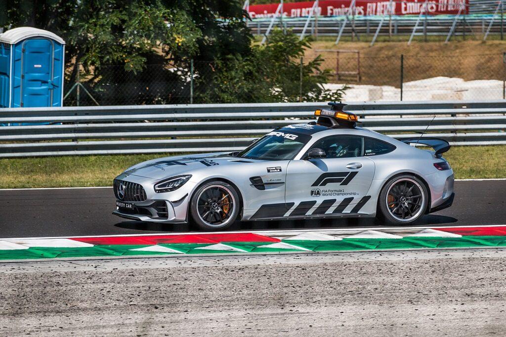 Aston Martin dostarczy samochód bezpieczeństwa dla F1 od 2021 roku