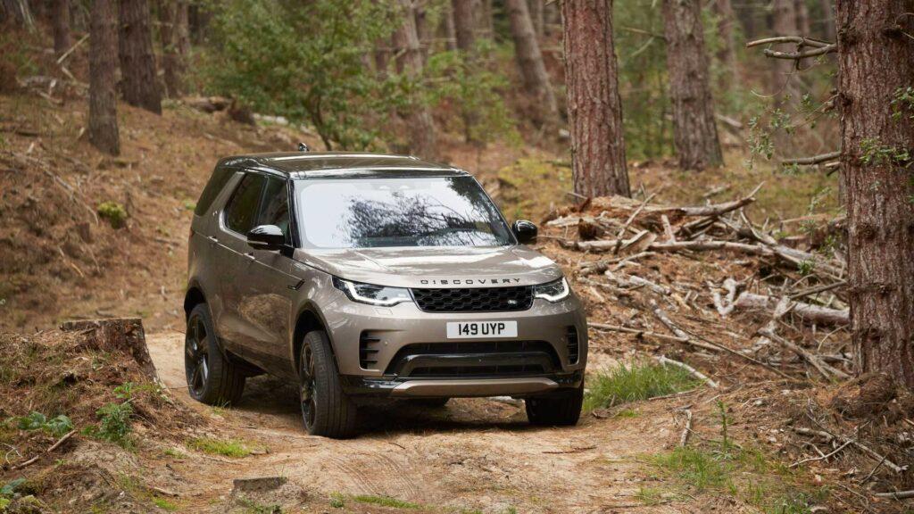 Oto pierwsze zdjęcia Land Rovera Discovery po delikatnym liftingu