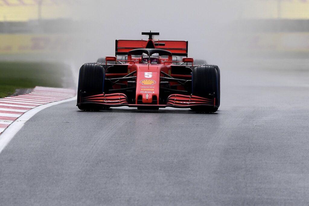 """Mattia Binotto: """"Forma Ferrari pokazuje, że progres w 2021 jest możliwy"""""""