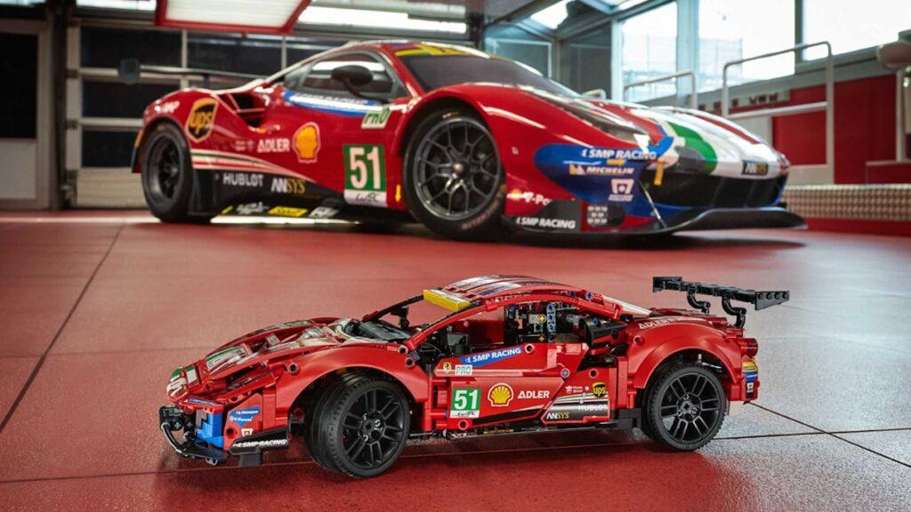 Ferrari 488 GTE w całości wykonane z klocków LEGO!