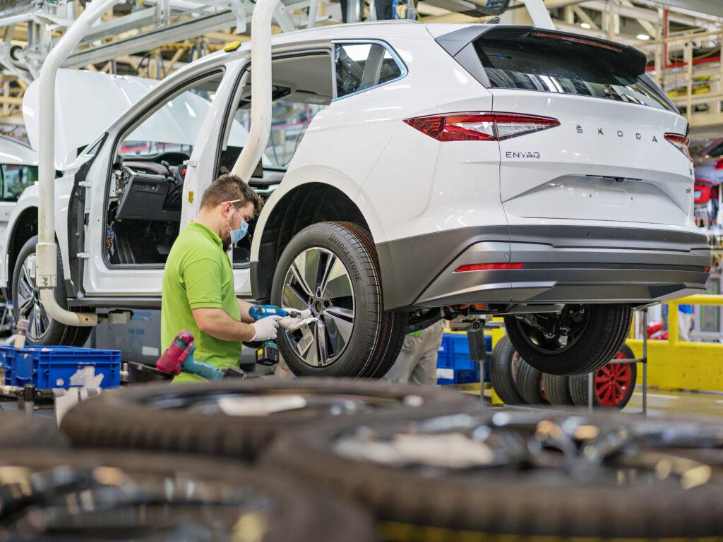 Skoda planuje elektrycznego sedana i auto miejskie, mówi CEO marki
