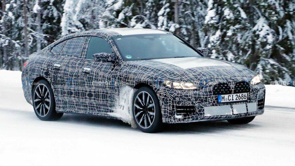 Nowe BMW serii 4 Gran Coupe przyłapane podczas zimowych testów