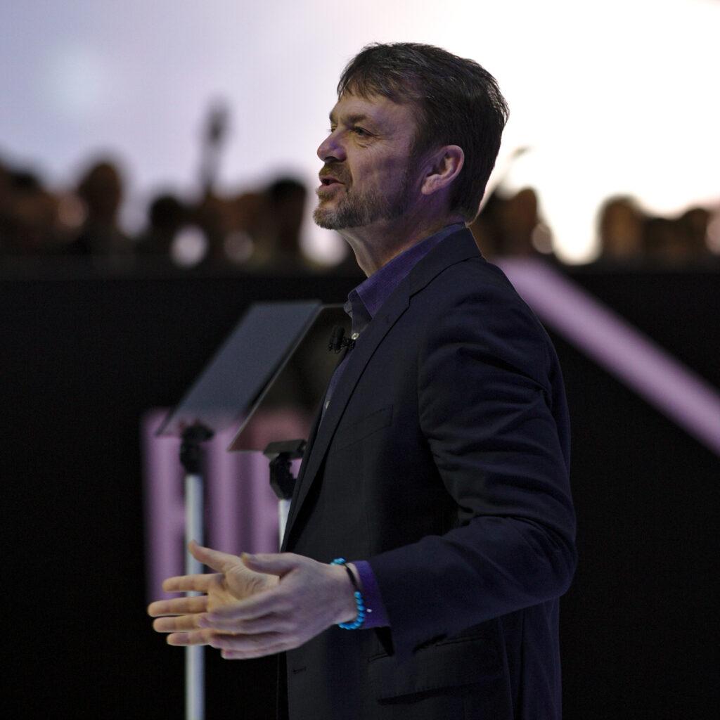 Mike Manley faworytem do pozycji dyrektora zarządzającego Ferrari