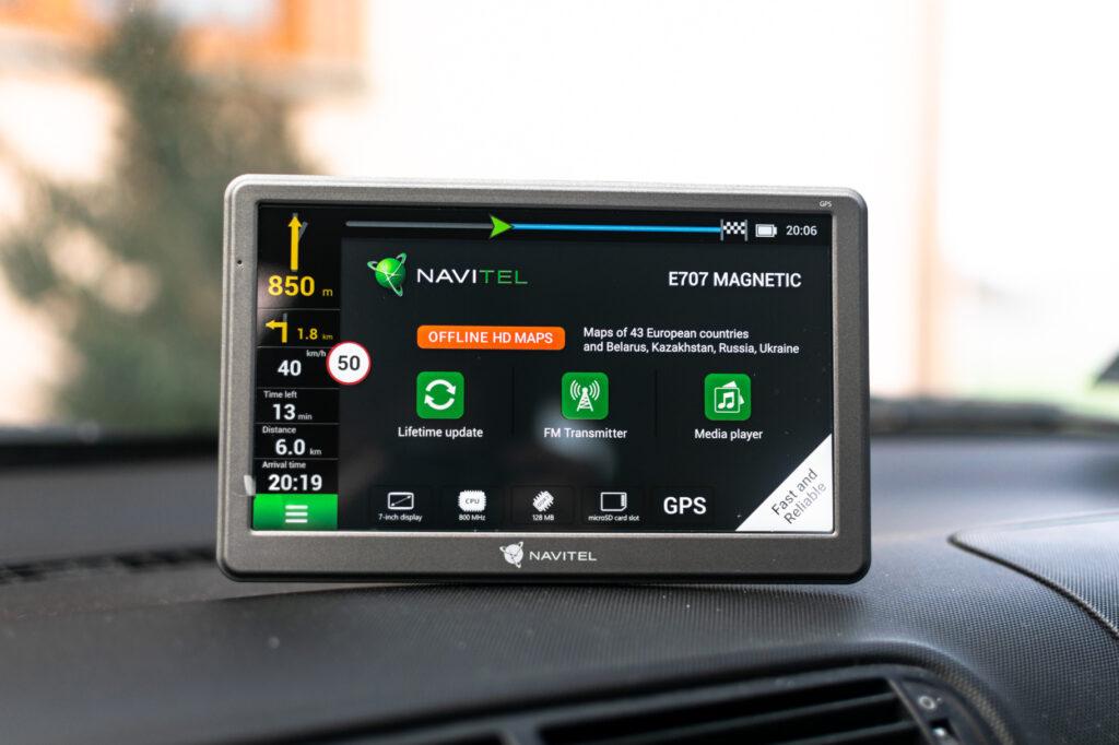 Navitel E707 Magnetic – niskobudżetowa nawigacja do samochodu
