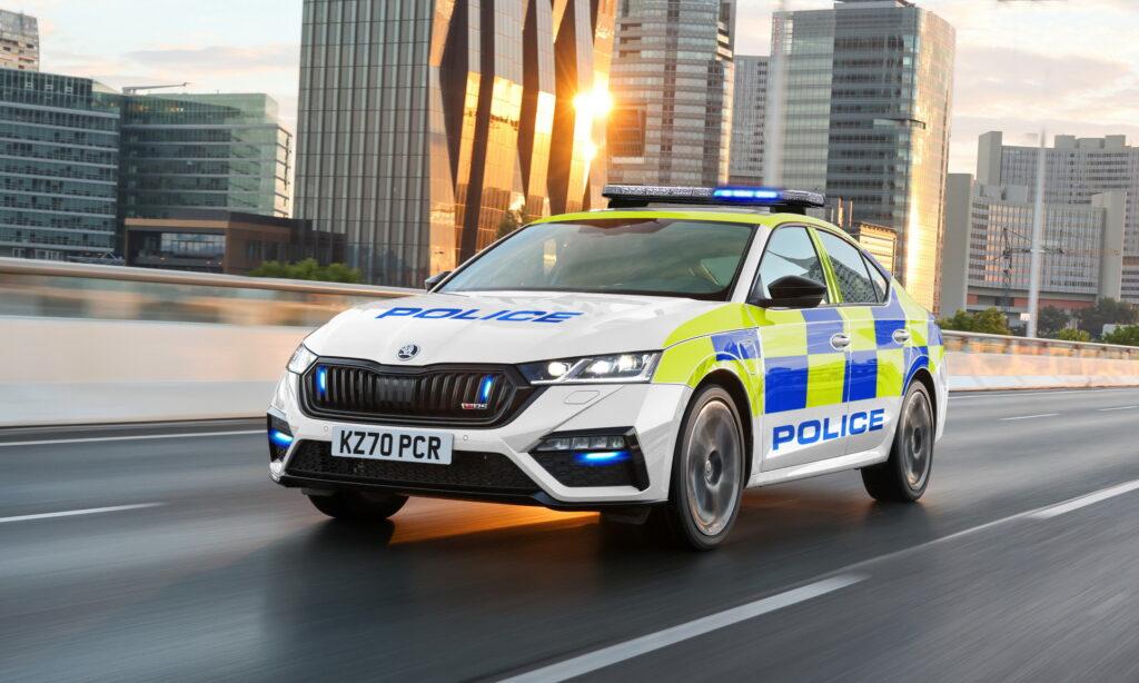 Skoda Octavia RS iV, Octavia iV i Superb iV dołączą do floty policji, straży pożarnej i pogotowia w Wielkiej Brytanii