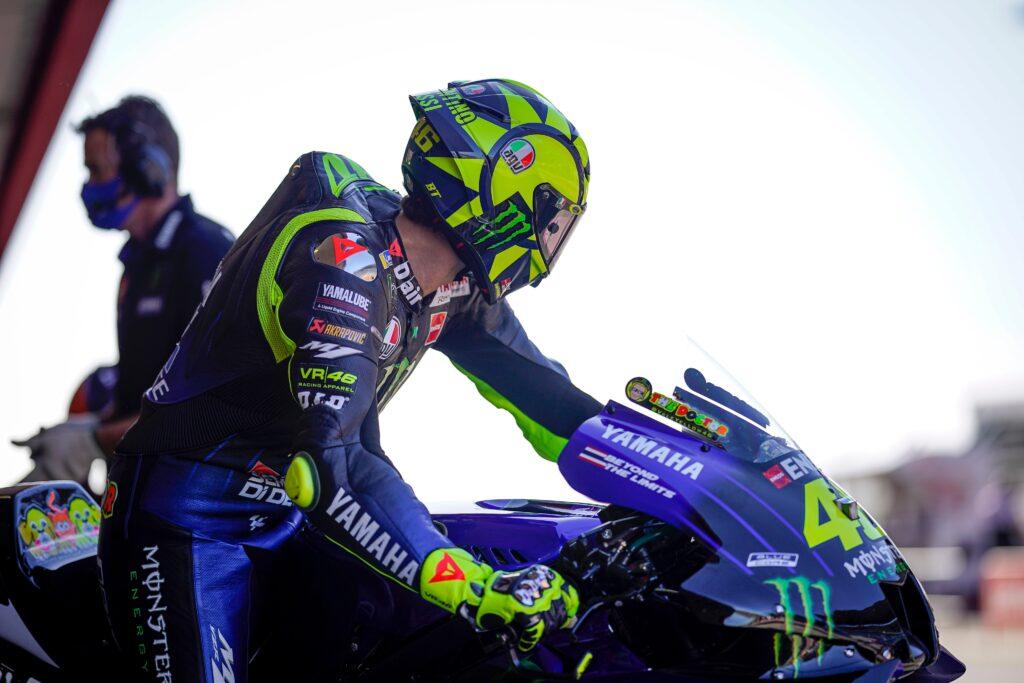 """Rossi: ,,Inżynierowie Yamahy słuchają zawodników, ale mają ich w nosie"""""""
