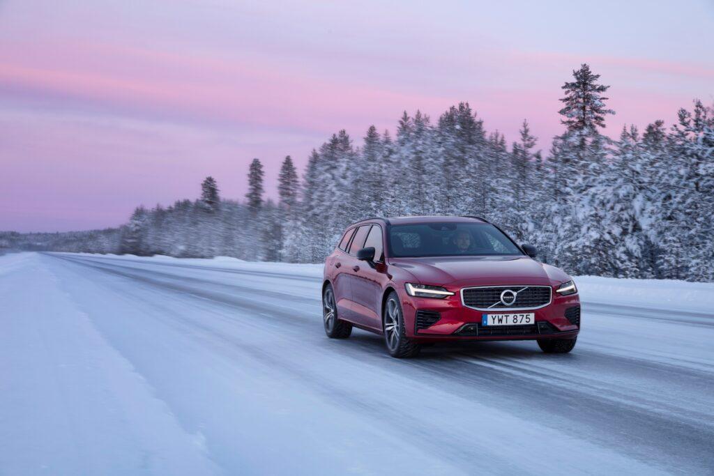 Sprzedaż Volvo Cars w 2020 roku: pierwsza połowa roku ciężka, druga rekordowo dobra
